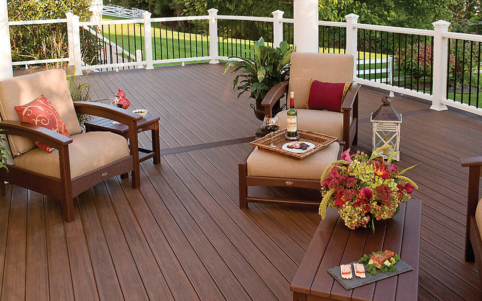 transcend-porch-flooring-spiced-rum-classic-white-railing-990x620_gallery
